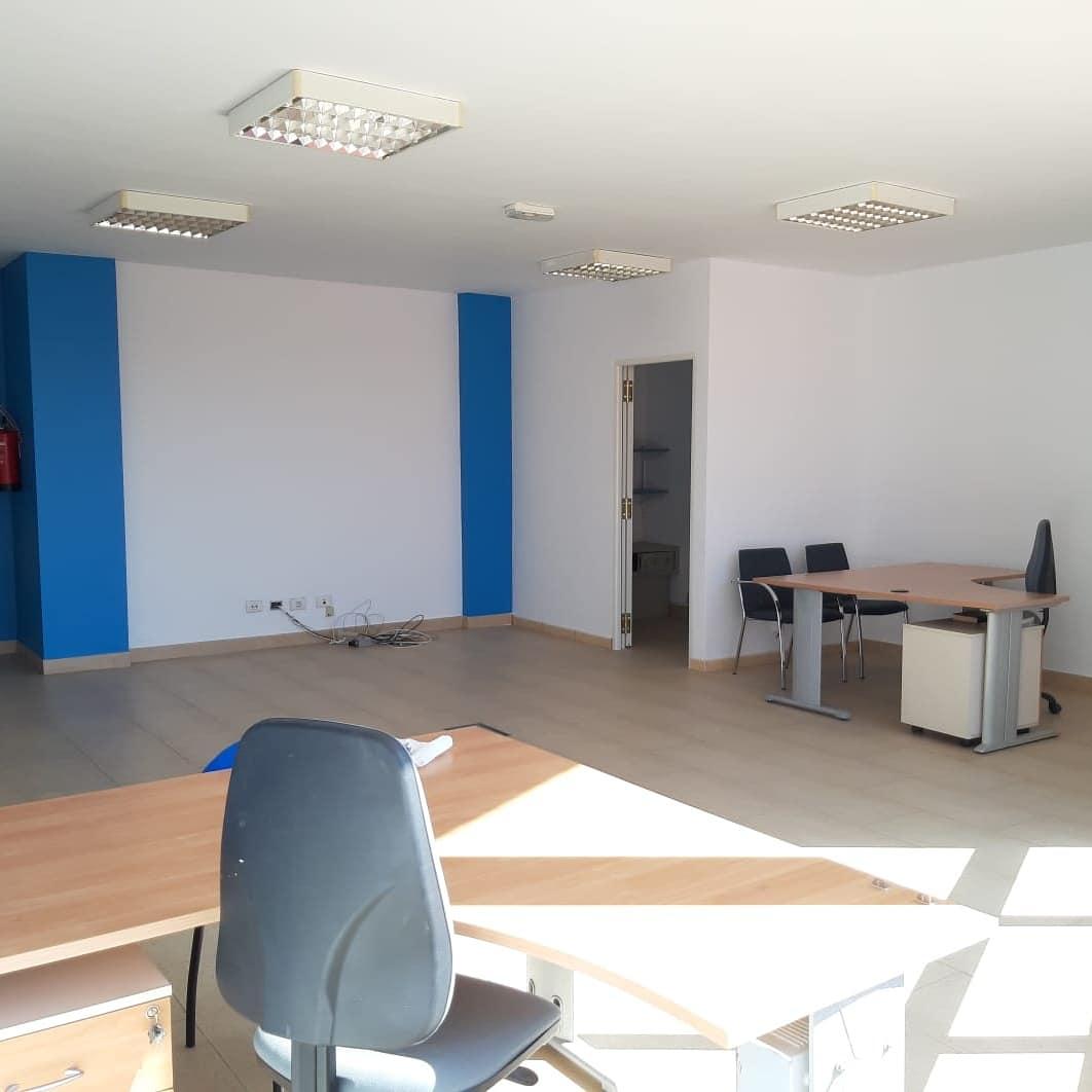 Oficina en La Laguna- Edificio Avenida 09